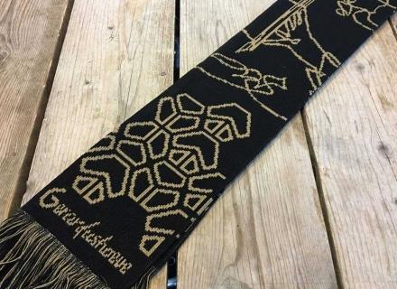 Relatiegeschenk voor Gerardushoeve | Gebreide sjaal